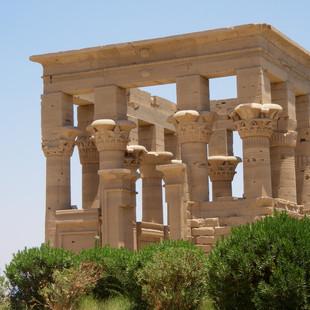 Trajanus Kiosk, tempel van Isis, Aswan.J