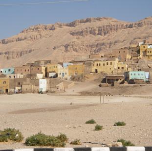 West Bank bij Luxor.JPG