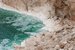 Zoutafzettingen bij de Dode Zee
