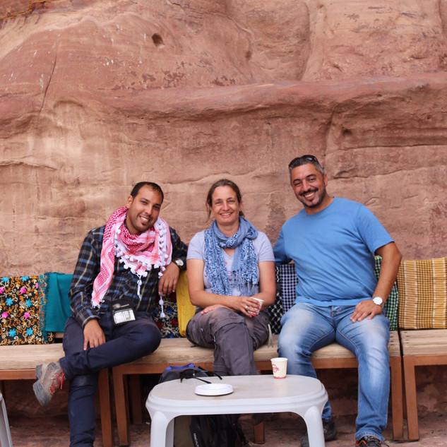 Met_collega's_in_Petra,_Jordanië.jpg