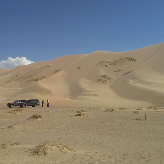 gobi singing sands.jpg