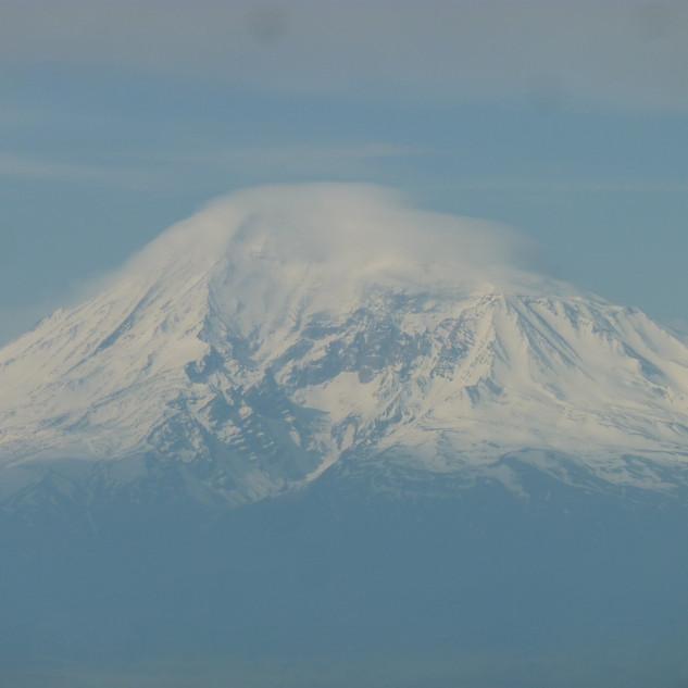 Soms is de Ararat te zien  en soms niet.J