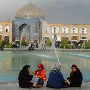 Rondreis Iran, Naqsh-e Jahan Imam plein, Isfahan.JPG