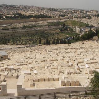 Joodse begraafplaats dichtbij de Tempelberg. Jeruzalem.JPG