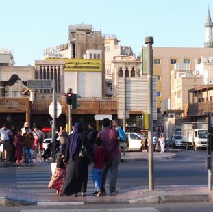 Straatbeeld Dubai.JPG