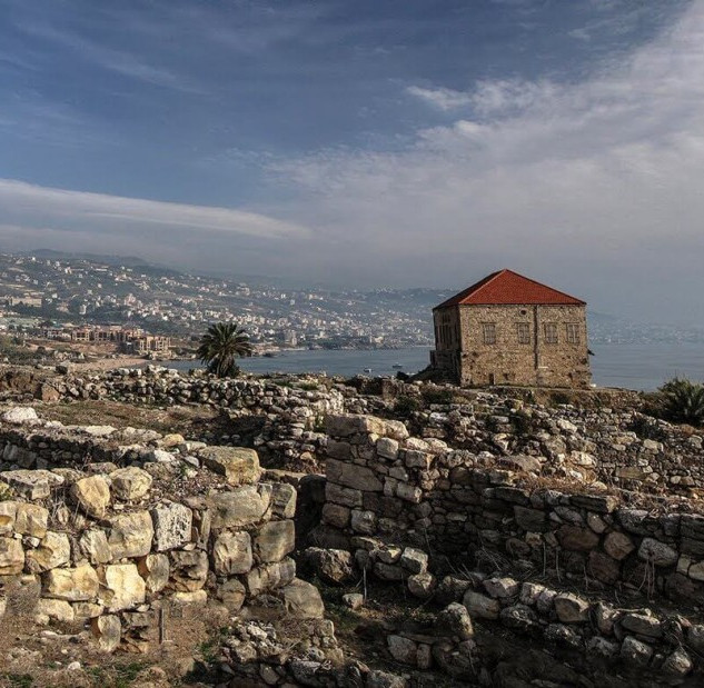 Ruïnes_Romeinse_stad_Byblos,_Libanon.jpg