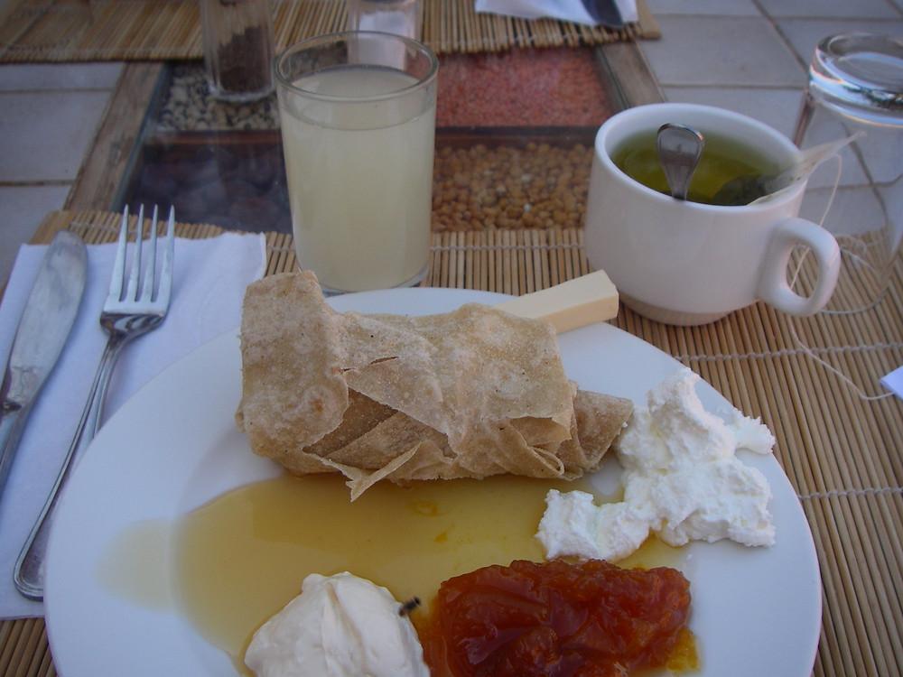 Ontbijt in de Ecolodge, Jordanië - Saffraan Reizen