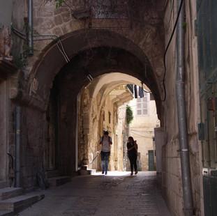 Struinen door de medina van Nazareth.JPG