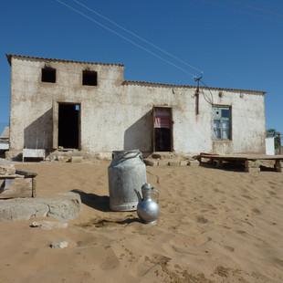 Een Kazachs dorp in de Kizilkumwoestijn.JPG