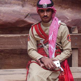 Woestijnpolitie van Petra rondreis Jordanië.JPG