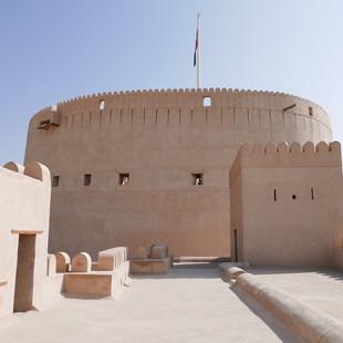 Yaruba fort in Nizwa, Oman.JPG