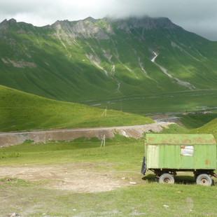 Old Militairy Highway Kaukasus rondreis Georgie Saffraan Reizen .JPG