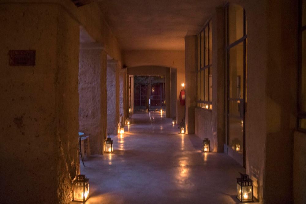 Feynan Ecolodge by candle light, Jordan - Saffraan Reizen