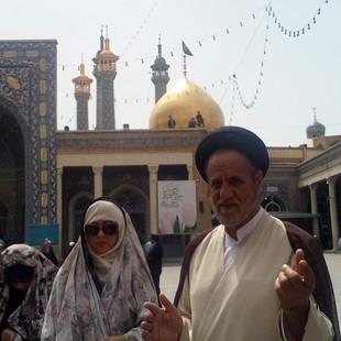 Op bezoek bij de Mullah in Qom.jpg
