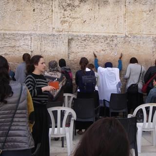 Vrouwenafdeling van de Klaagmuur in Jeruzalem.jpg