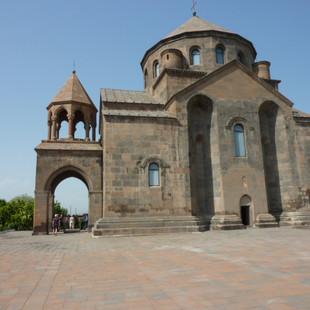 Echmiadzin kerkarchitectuur rondreis Armenie Saffraan Reizen.JPG