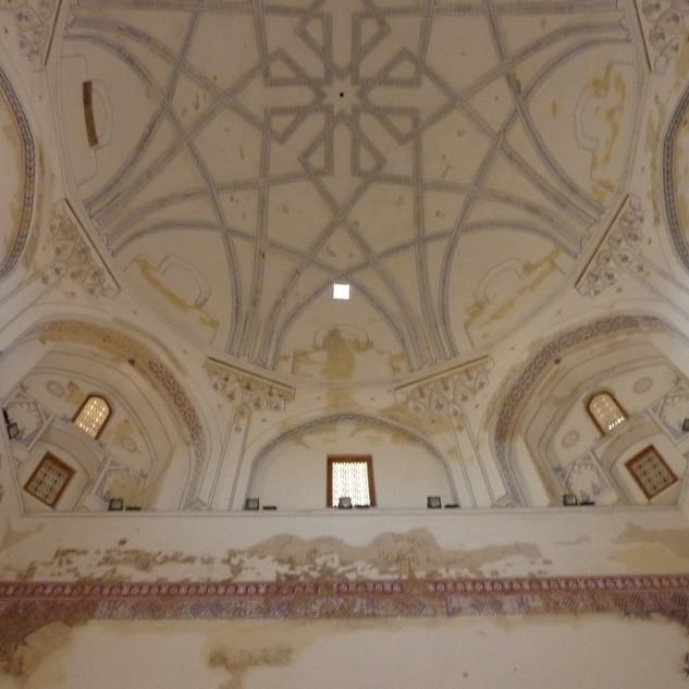 Interieur moskee Gonur Depe.JPG