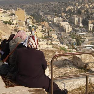 Uitkijkend over Amman.JPG
