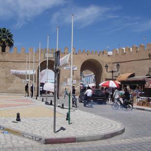 Stadspoort in Kairouan.JPG