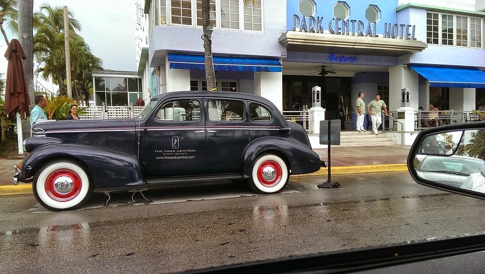 Ocean Drive Old Car
