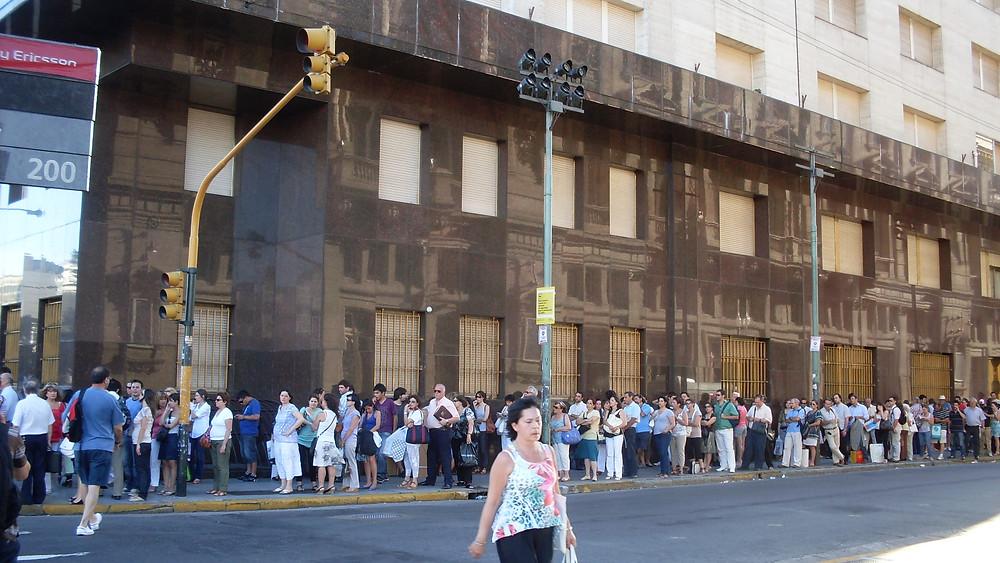 Bus queue in Buenos Aires