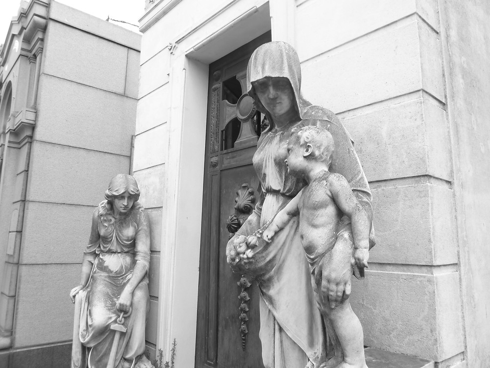 Statues of Recoleta Cementary