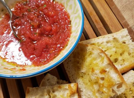 Pão com tomate