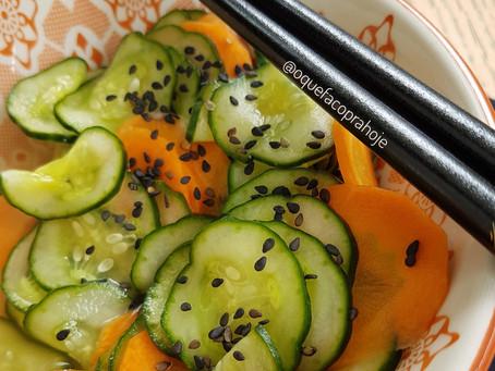 Salada de Pepino com Cenoura (Sunomono)