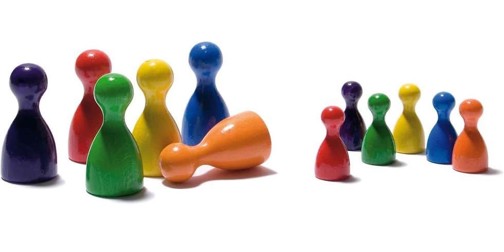 Coacher avec figurines, dessins et chaises - A Confirmer
