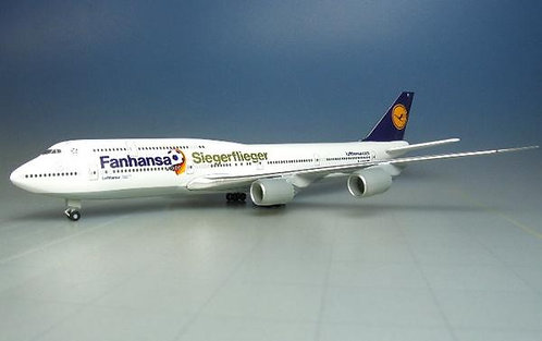 Lufthansa B747-8 Fanhansa 1:500 HE527187