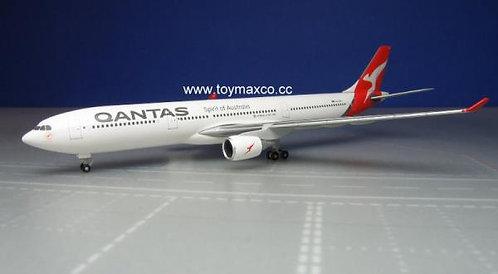 Qantas A330-300 VH-QPJ 1:500 HE530156