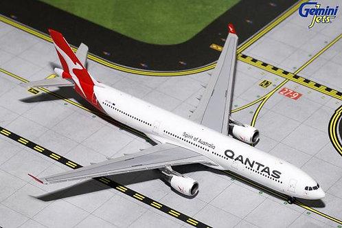 Qantas A330-300 VH-QPJ 1:400 GJQFA1625