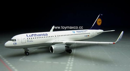 Lufthansa A320 Munich airport 1:500 HE530699