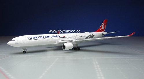 Turkish A330-300 1:500 HE531443