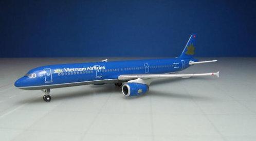 Vietnam Airlines A321 VN-A336 1:500 HE527149