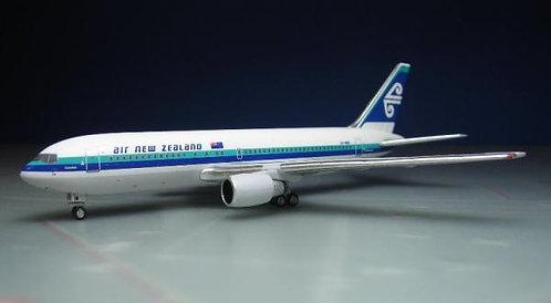 Air New Zealand B767-200 1:400 ACZKNBB