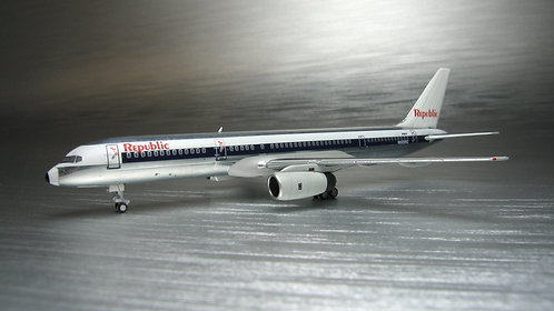 Republic B757-200 Grey Engines 1:400 NG53036