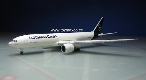 Lufthansa Cargo B777F 1:500 HE533188