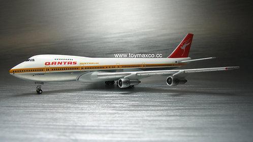 Qantas B747-200 Retro VH-EBB 1:500 HE534482
