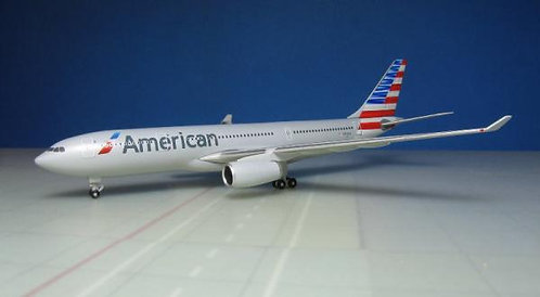 American Airlines A330-200 N292AY 1:500 HE529648