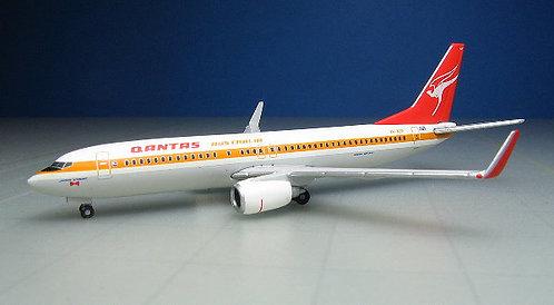 Qantas B737-800 Retrojet 1:500 HE527637