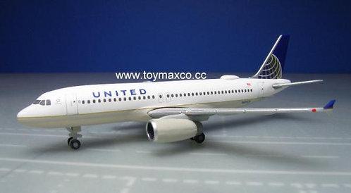 United A320 1:500 HE531252