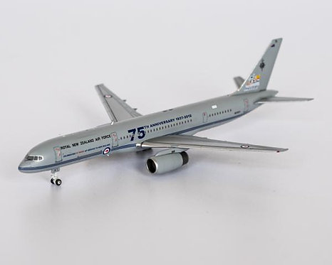 Royal Air New Zealand Air Force B757-200 NZ7571 75th 1:400 NG53145