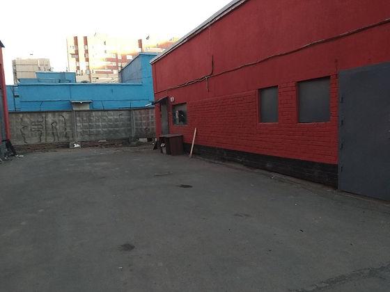 Пункт приема вторсырья и макулатуры расположен по адресу Комендантский проспект, 33к3 в Приморском районе Санкт-Петербурга