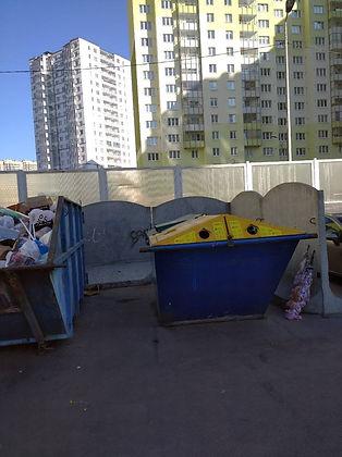 Контейнер для вторсырья и макулатуры расположен по адресу улица Даниила Хармса, 8 в Красногвардейском районе Санкт-Петербурга