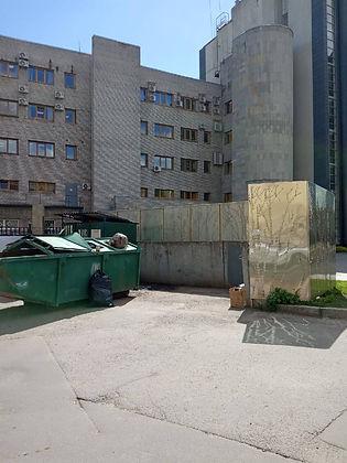 Контейнер для вторсырья и макулатуры расположен по адресу Чернорецкий переулок, 5 в Центральном районе Санкт-Петербурга