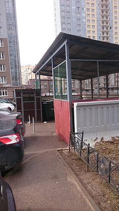 Контейнер для вторсырья и макулатуры расположен по адресу Туристская улица, 23к2 в Приморском районе Санкт-Петербурга