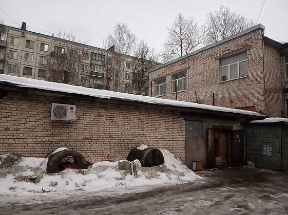 Пункт приема вторсырья и макулатуры расположен по адресу проспект Науки, 38 в Калининском районе Санкт-Петербурга