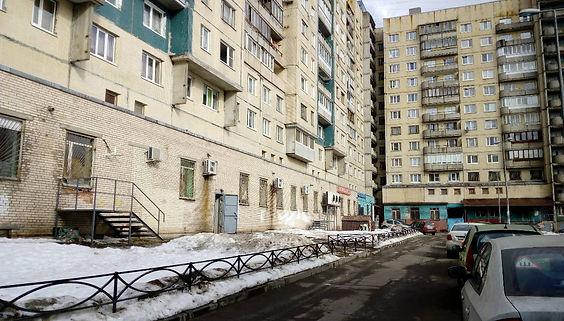 Пункт приема вторсырья и макулатуры расположен по адресу проспект Ударников, 23 в Красногвардейском районе Санкт-Петербурга