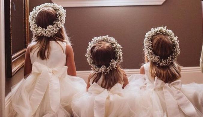 daminha , pagem ,coroa de flores